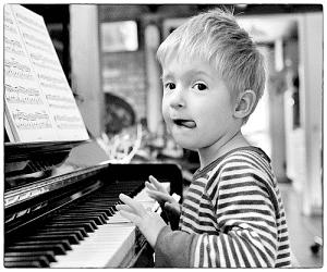 enfant-débutant-le-piano